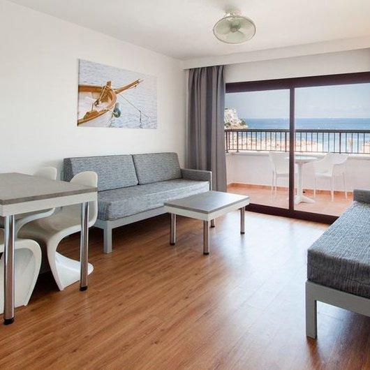1 BEDROOM APARTMENT WITH TERRACE Sol y Vera Apartments