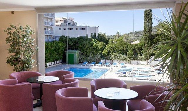 Exclusive services Sol y Vera Apartments