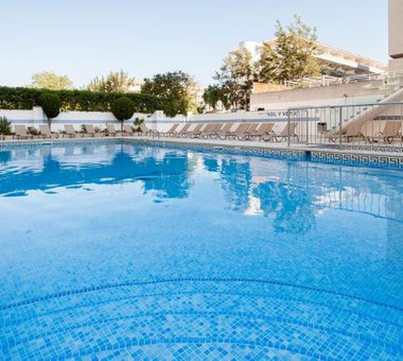 Swimming pool sol y vera magaluf apartments majorca