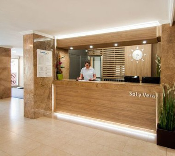 24/7 reception sol y vera magaluf apartments majorca