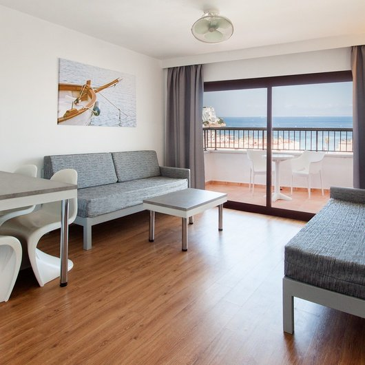 1 BEDROOM APARTMENT WITH TERRACE Sol y Vera Apartments