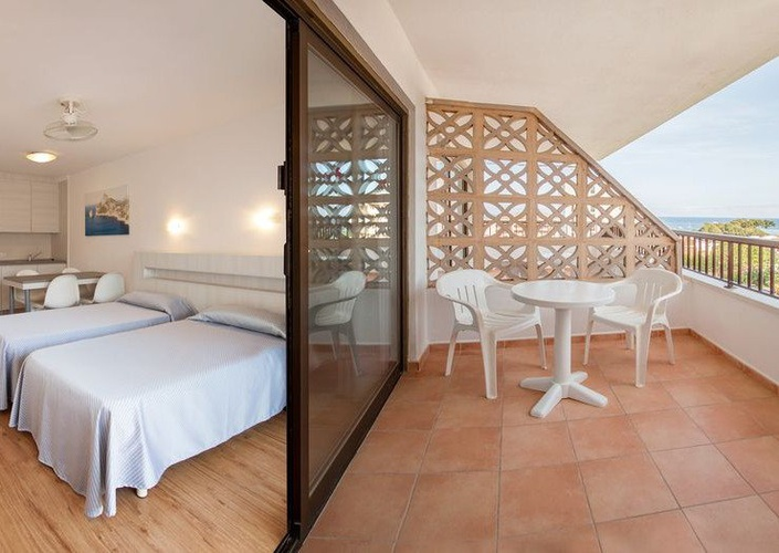 Studio with terrace sol y vera magaluf apartments majorca